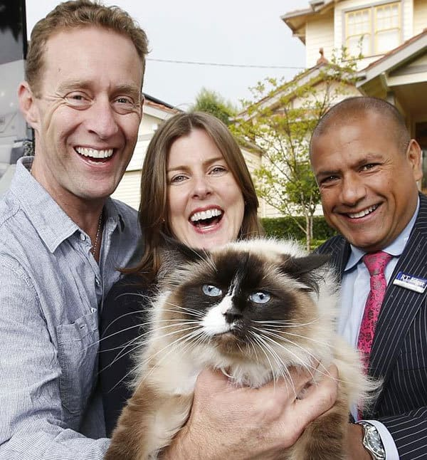 Family Adds Cat to Home Sale, Raising Final Price by $140,000